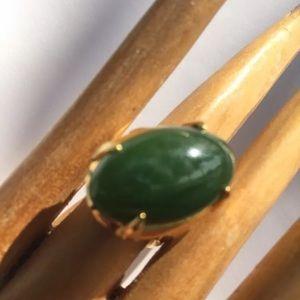 R13) antique BURMA JADITE bright green SIZE 7 RING